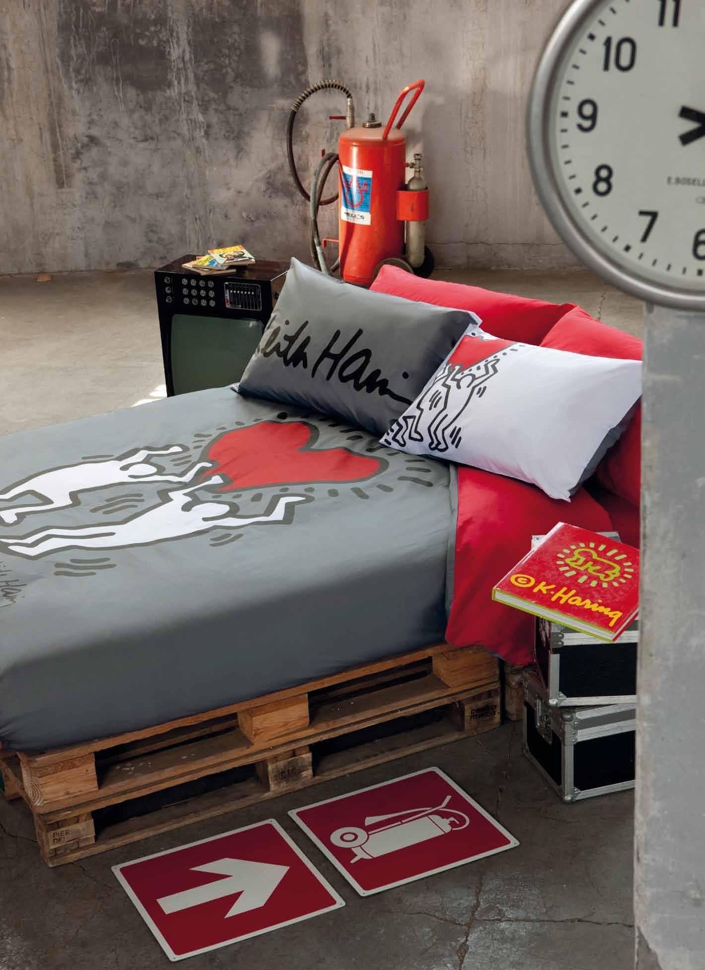 Copripiumino Keith Haring.Keith Haring La Collezione Per Una Casa Ad Opera D Arte