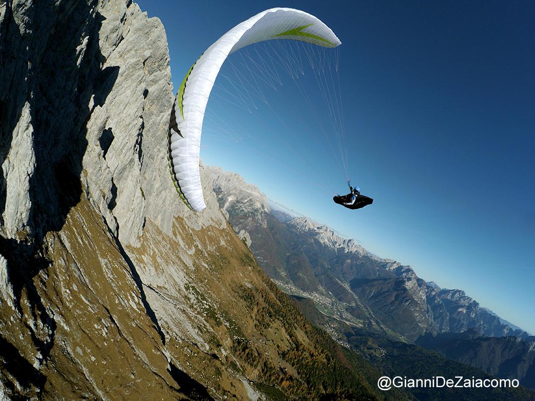 Le Alpi protagoniste della stagione di volo in parapendio