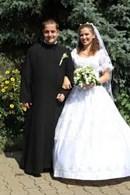 Preti sposati: cinquanta per cento dei preti hanno rapporti con le donne