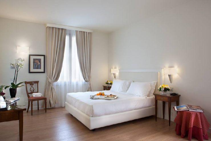 Nuova veste online per il sito dell'Hotel Italia a Siena