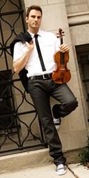 Il violinista Stefan Milenkovich con l'Orchestra Filarmonica Marchigiana al teatro della Fortuna di Fano