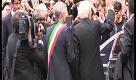 25 aprile, a Milano centinaia di persone applaudono Mattarella e la Liberazione - La Repubblica