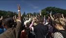 New York: catena umana a Central Park per festeggiare John Lennon - La Repubblica
