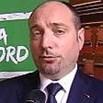 Orio al Serio, la battutaccia razzista del leghista Stucchi (Copasir) su Fb: Rom a bordo? Volo veramente low cost