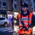 Via Padova, polizia ferma adolescente per controlli. La mamma su Fb: Fermato solo perché nero, brutto clima
