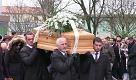 Funerale Regeni, lultimo saluto silenzioso della folla a Giulio - La Repubblica